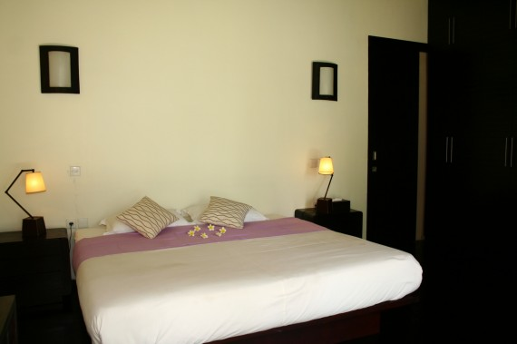 Guest House - Purple Room
